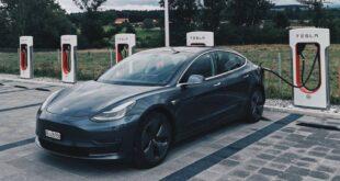 Ahora puedes comprar un Tesla con bitcoin: Elon Musk